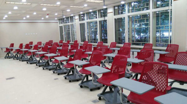 Modern Classroom Essay ~ Modern plastic training student chairs with writing pad